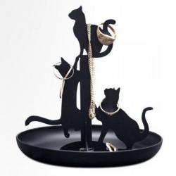 Šperkovnice plná koček